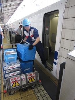 安心・安定のJR東海グループ  未経験者歓迎!駅ナカなので通勤便利